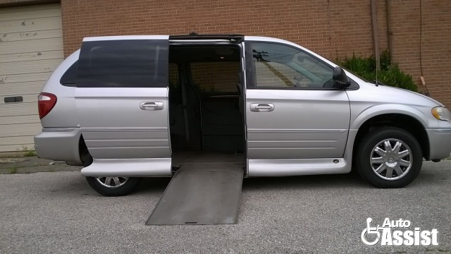 2007 Chrysler Town and Country VMI Chrysler Northstar Wheelchair Van For Sale