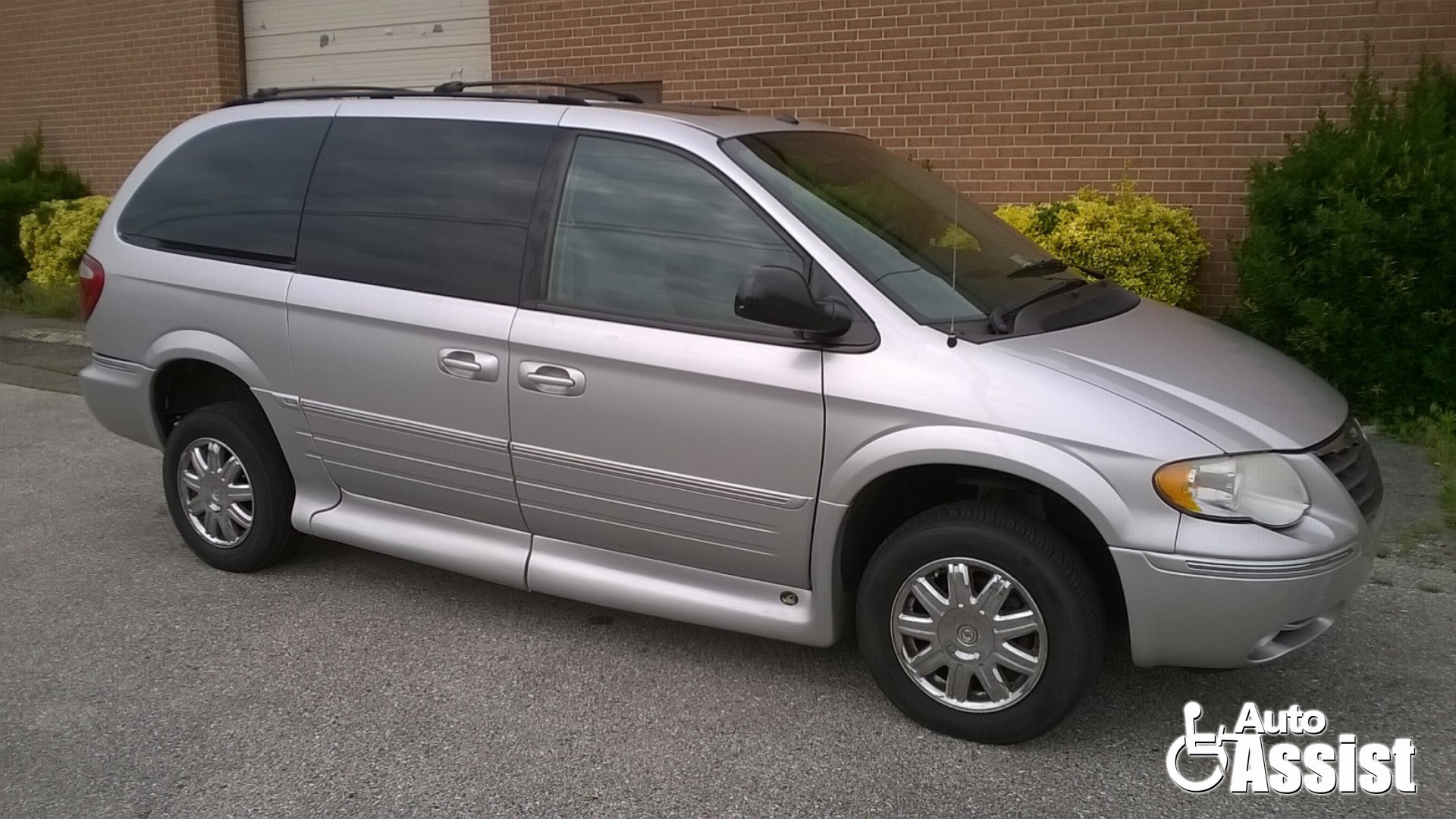 wheelchair van for sale 2007 chrysler town and country. Black Bedroom Furniture Sets. Home Design Ideas