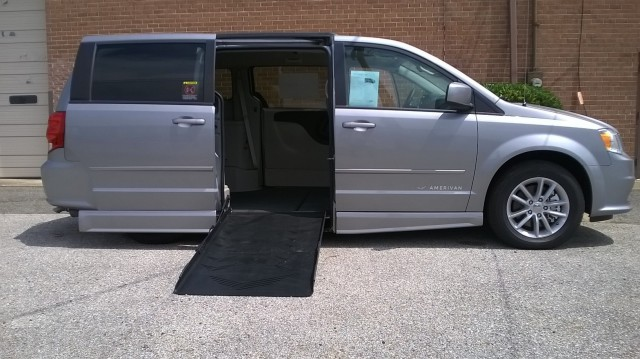 2015 Dodge Grand caravan Eldorado National Amerivan Dodge & Chrysler Amerivan Wheelchair Van For Sale